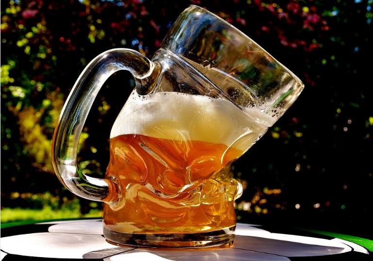 После пива болит живот